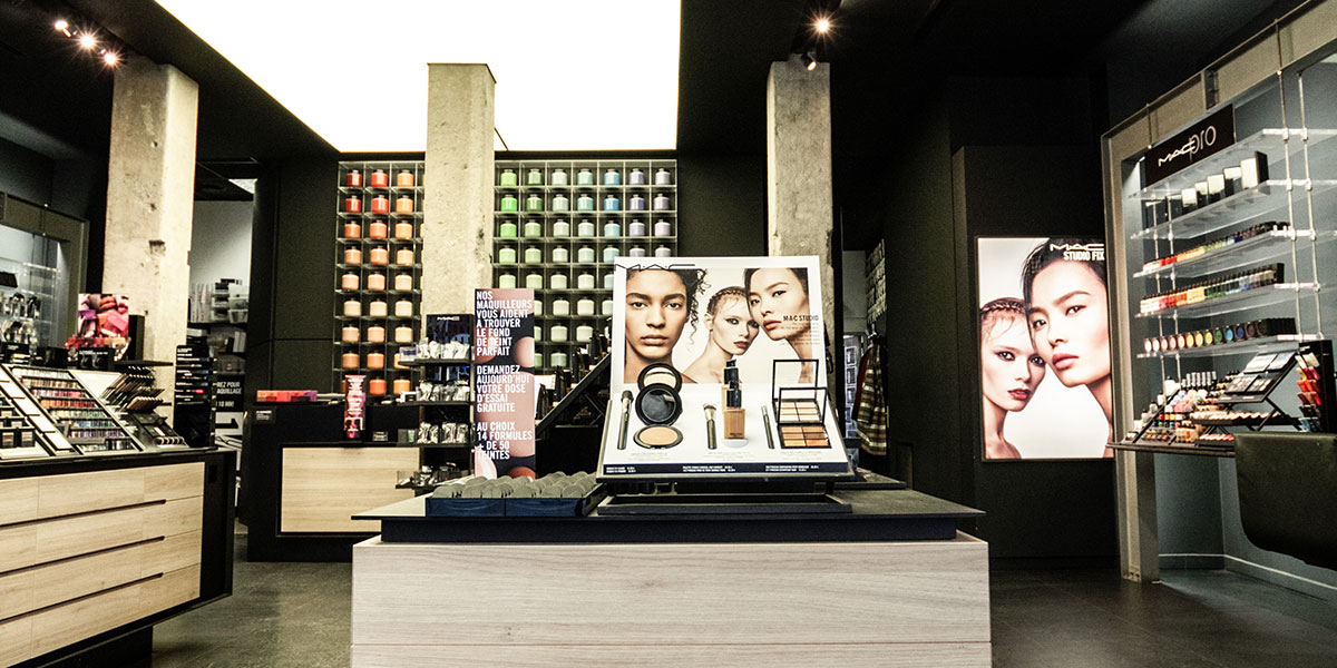 Case study | MAC Cosmetics | Develop a customer-centric voice via an Instagram storyboard.